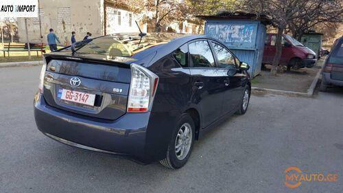 TOYOTA Prius 2011