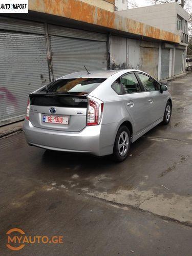 TOYOTA Prius 2012