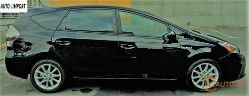 TOYOTA Prius V 2011
