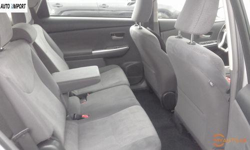 TOYOTA Prius V 2014